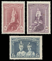 Lot 582:1938-49 Robes Thick Paper BW #212-6 set of 3, 10/- tone spot, £1 hinge rem, Cat $117.