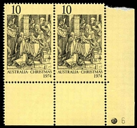 Lot 901:1974 Christmas BW #680zk 10c pair with Plate '6' at right.