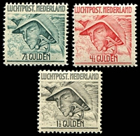 Lot 4381:1929 Airmails SG #377-9 set ( middle value *), Cat £42. (3)
