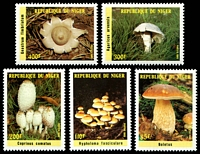 Lot 4018:1985 Mushrooms SG #1059-63 set of 5.