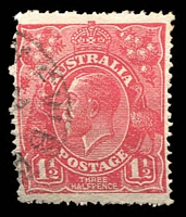 Lot 540:1½d Red Die I - [18L55] White spot on King's ear - ACCC State I, missing perf, fluffy perfs.